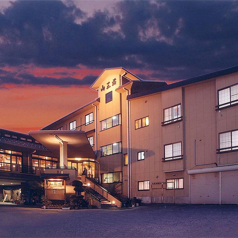 野沢温泉で同窓会!カラオケができる宿はありませんか?