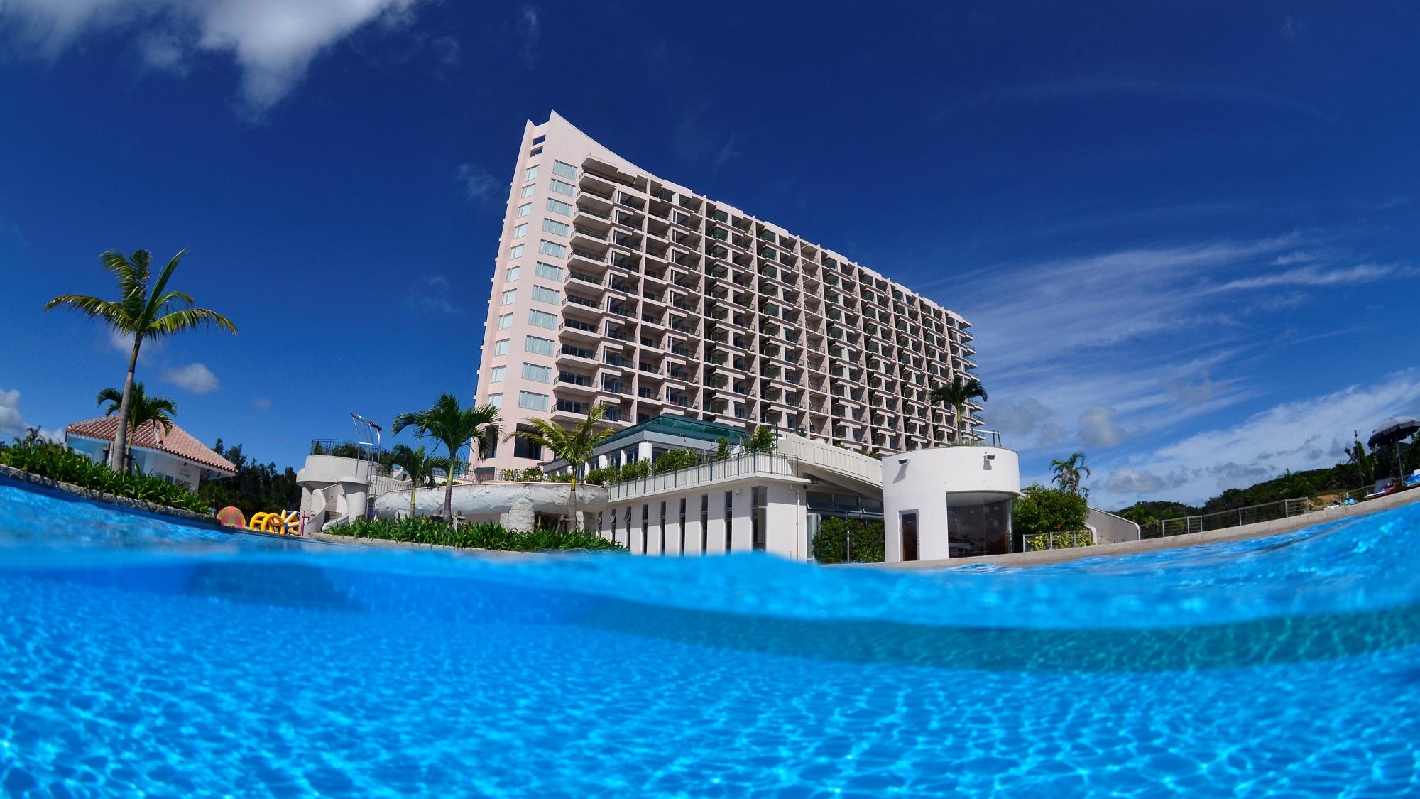 今年の夏こそ沖縄に行きたいのでお勧めの宿を教えてください