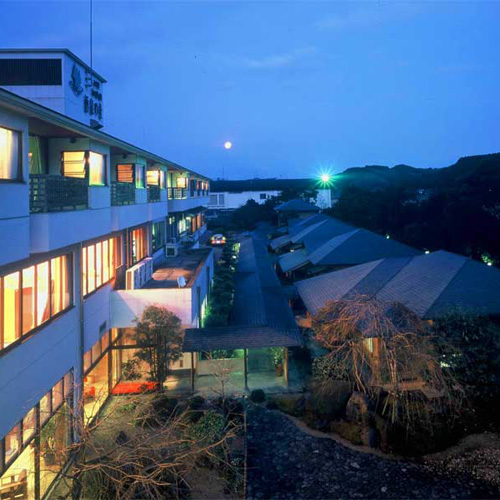 蔵元直営の宿 酒泉の杜 綾陽亭