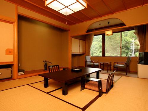 中尾山温泉松仙閣<長野県>の客室の写真