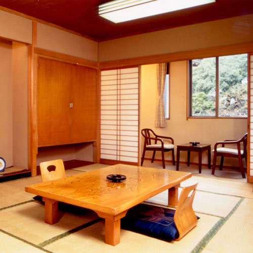成田山門前 旅館 若松本店の客室の写真