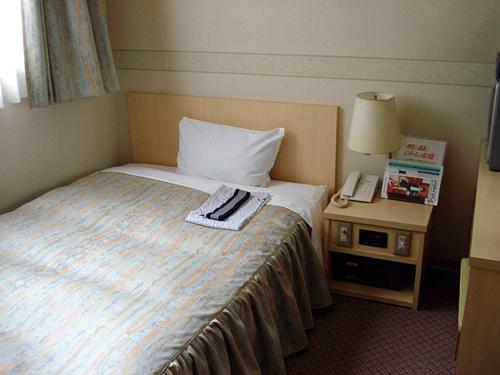 仙台ビジネスホテルの客室の写真