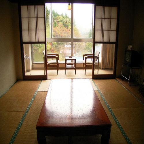 羽根沢温泉 ホテル紅葉館<山形県>の客室の写真