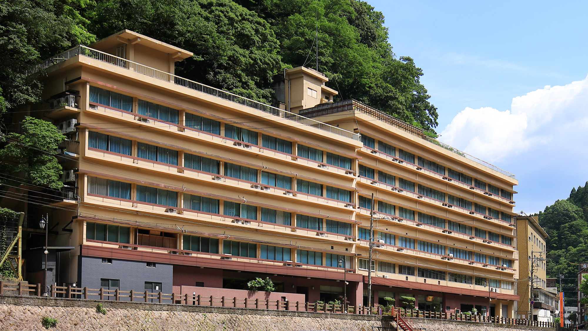 湯原温泉 湯原国際観光ホテル 菊之湯 外観写真