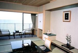 能登輪島温泉 ホテルこうしゅうえん(旧 ホテル高州園)の客室の写真