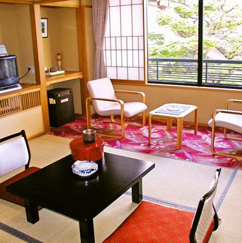 若葉旅館の客室の写真