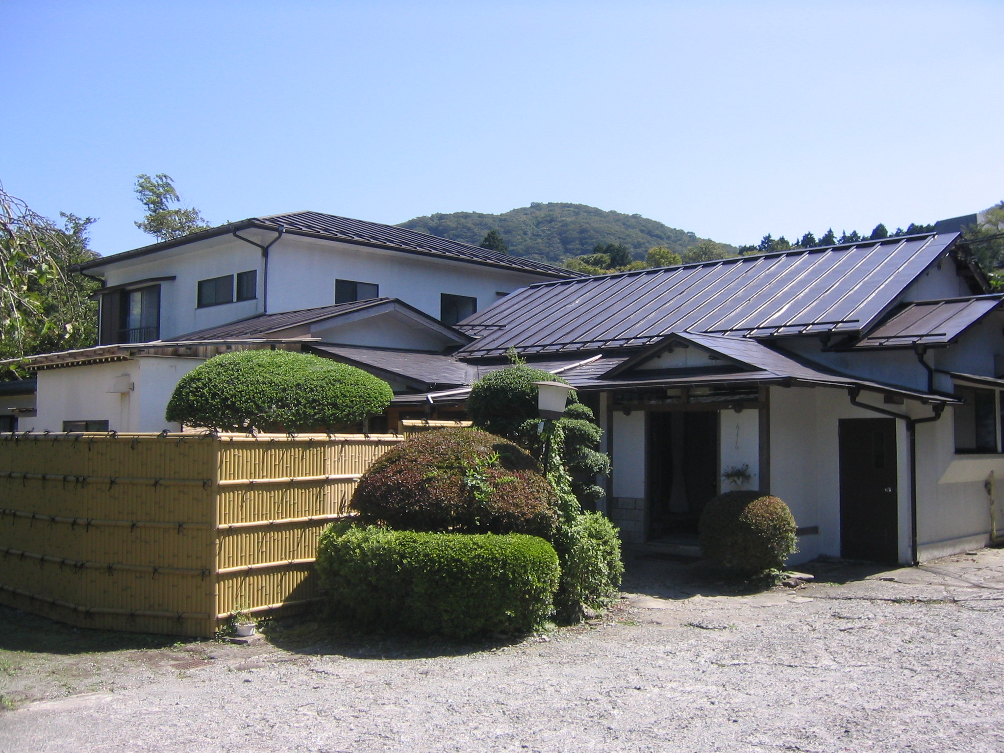 【一人旅】箱根ガラスの森美術館にアクセス便利な格安宿