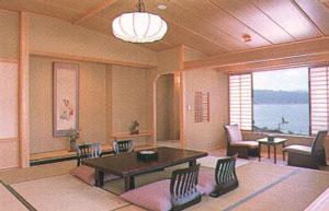 信州・上諏訪温泉 琥珀色の自家源泉を持つ宿【ホテル鷺乃湯】 画像
