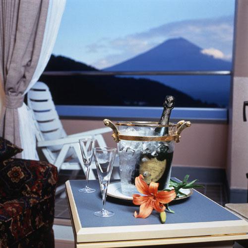 富士河口湖温泉 湖のホテル 画像