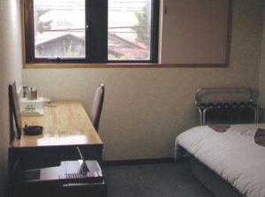ビジネスホテル 秀山荘の客室の写真