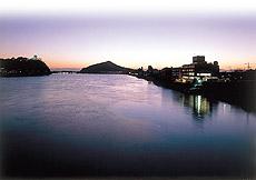 城下町散策をして温泉に入りたい。犬山城近くのホテルは?