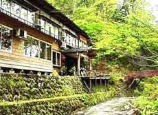 渓泉荘の外観