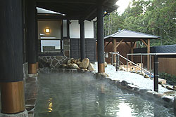 天然温泉と縄文の宿「まんてん」 <屋久島>