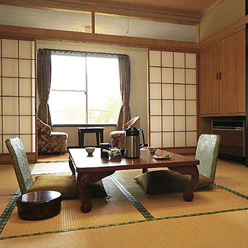 Hotel & Onsen 2307 Shigakogen (旧志賀喜楽ホテル)