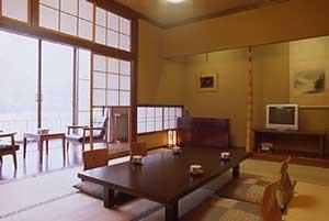 絶景客室8畳〜12畳(地デジ、ウォシュレット完備)
