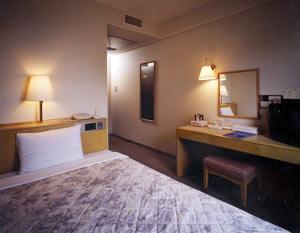 備長炭の湯 ホテルクラウンヒルズ結城駅前(BBHホテルグループ)の客室の写真