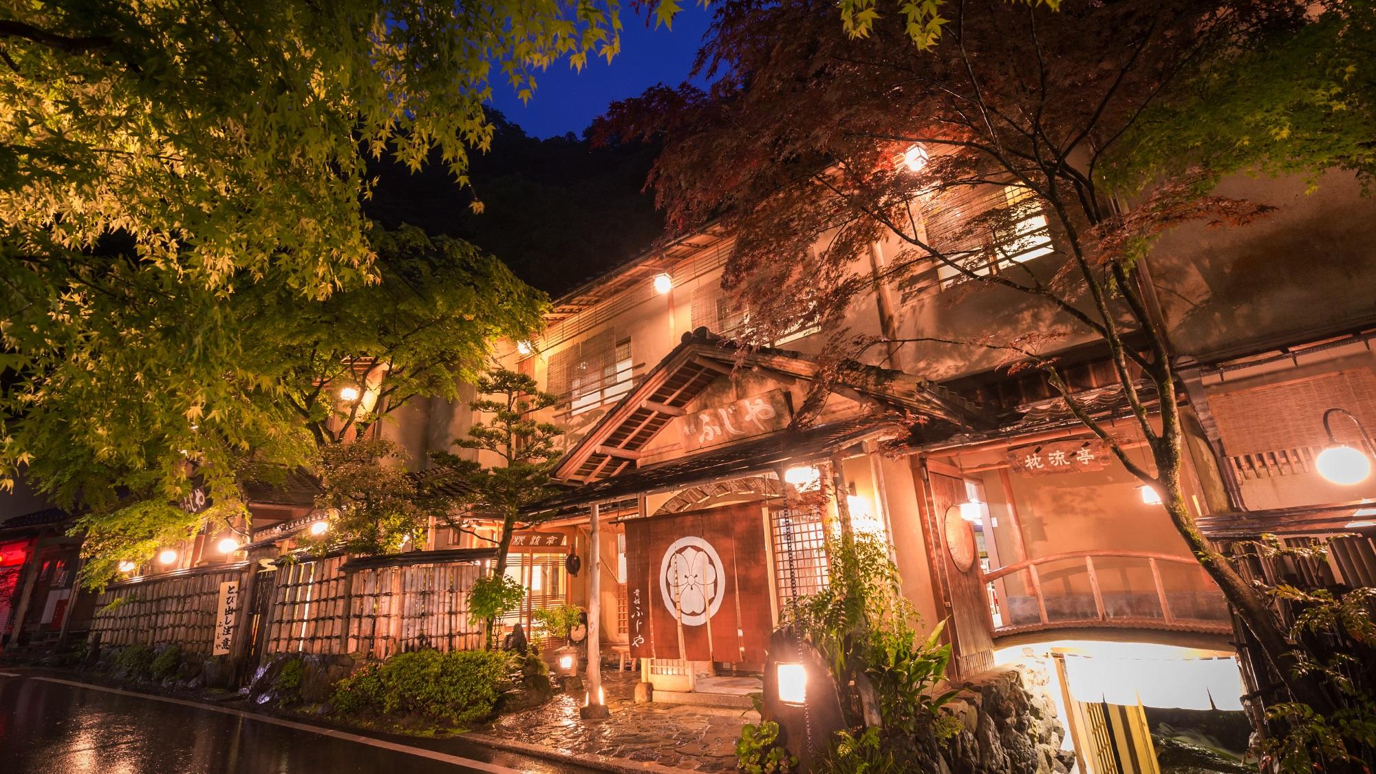 これぞ夏!京都の川床に行って温泉宿に入りたい!