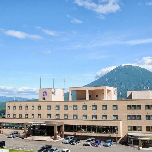 北海道のニセコで春スキーと温泉を楽しみたい!スキー場までの行き来に便利な温泉宿を教えて下さい。
