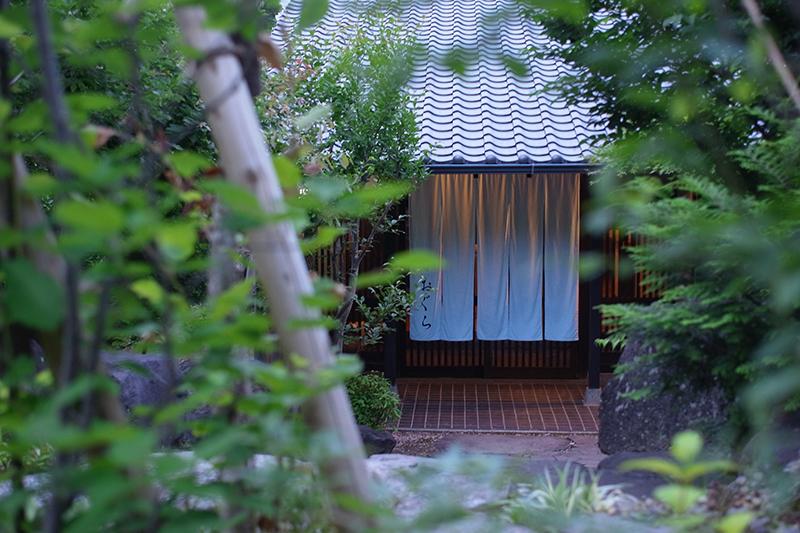 成人式を終えた息子とゆったりできる宿を別府温泉で探しています。