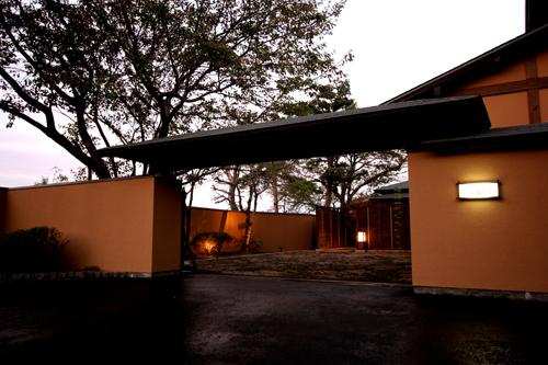 別府温泉で部屋食の露天風呂付き客室がある旅館を教えて!