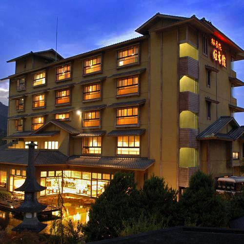 慰安旅行でカラオケ大会をしたい!露天風呂のある伊豆長岡温泉の宿を教えて!