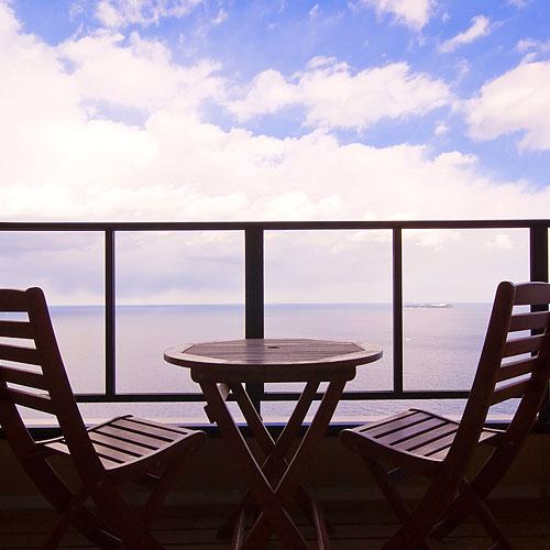 テラスで海一望絶景