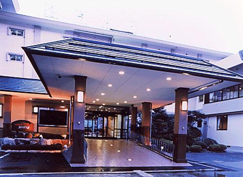 老親との旅行におすすめの、バリアフリー対策をしている城崎温泉のホテルを教えて!