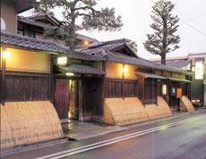 料理旅館・天ぷら 吉川の外観