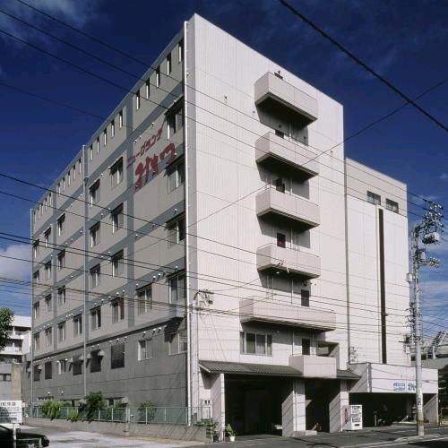 友人と四国の瀬戸内芸術祭に行きます。連泊可能でアクセスのいい宿が知りたいです