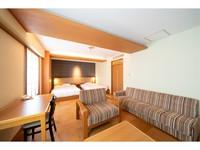 素足で過ごせる和洋室【禁煙】37平米・国技館側で眺め良し!