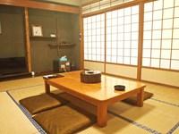 和室10畳(トイレ共同/喫煙禁煙指定なし)