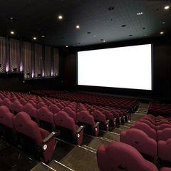 大好きな映画を横浜で観よう!横浜ブルク13 映画チケット+最強の朝食付