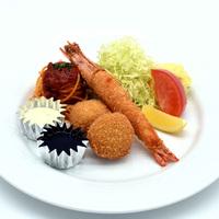 ホテルでランチ(メイン1品+サラダ、スイーツ食べ放題)♪午前中はゆっくりと 【プレミアム割】
