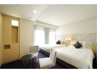 □■禁煙ツインルーム■□ 快眠 シモンズ社製ベッド