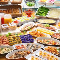【本館】クチコミ高評価!あなたの1日の活力の源に!郷土料理を含む40種のバイキング♪【朝食付】