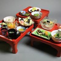 ◆三の膳付◆3つのお膳で大満足!特製ごま豆腐を始めとした精進料理が人気の宿坊♪