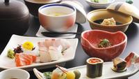 【一泊夕食】<早朝出発or朝食不要の方に♪> 夜は割烹旅館のお料理をしっかり堪能!