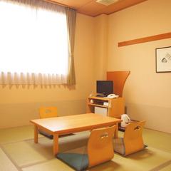 和室8畳(トイレ付)