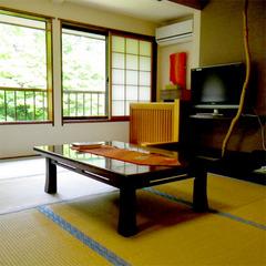 和室12畳(トイレ付き)