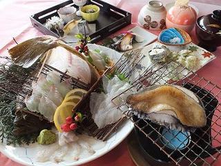 ◆2食付◆お手軽会席【あわび踊り焼・平目姿造り】