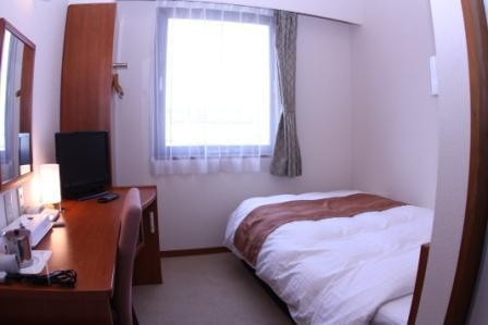 Standard Semi-Double Room for Single Use with Breakfast