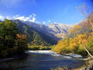 【美しい上高地を満喫】10月〜紅葉の上高地トレッキングプラン♪