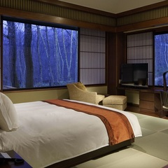 【ラグジュアリースイート】森の温泉リゾートで極上の癒しステイ〜100平米以上の温泉付きスイートルーム