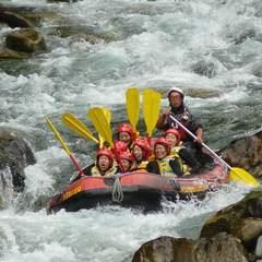 【天然のジェットコースターに感激☆】スリルと激流に挑戦!利根川でラフティングプラン(半日コース)