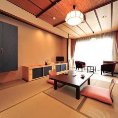 川のせせらぎが心地よい昭和風客室 南竜館8〜10畳