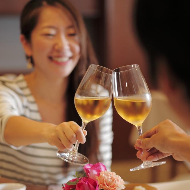 R35限定・夫婦の記念日プラン★今夜はお互い感謝を伝え合おう♪夜景を望むバーでワインで乾杯★夕朝食付