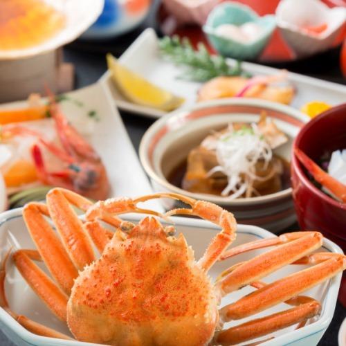 【こうばこ蟹】年内限りの能登冬の風物詩〜旨味たっぷり雌のずわい蟹「香箱蟹」