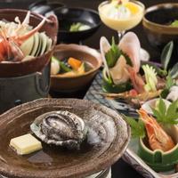 【スタンダード:華の香】アワビ踊り焼き+オリジナル鶏治部煮!郷土料理と和倉の旬菜を味わう