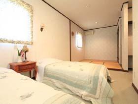 和洋室 ツインベッド+和室4.5畳 バストイレ テレビ付き