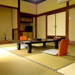 庭園を眺める和室8〜12畳【トイレ付】